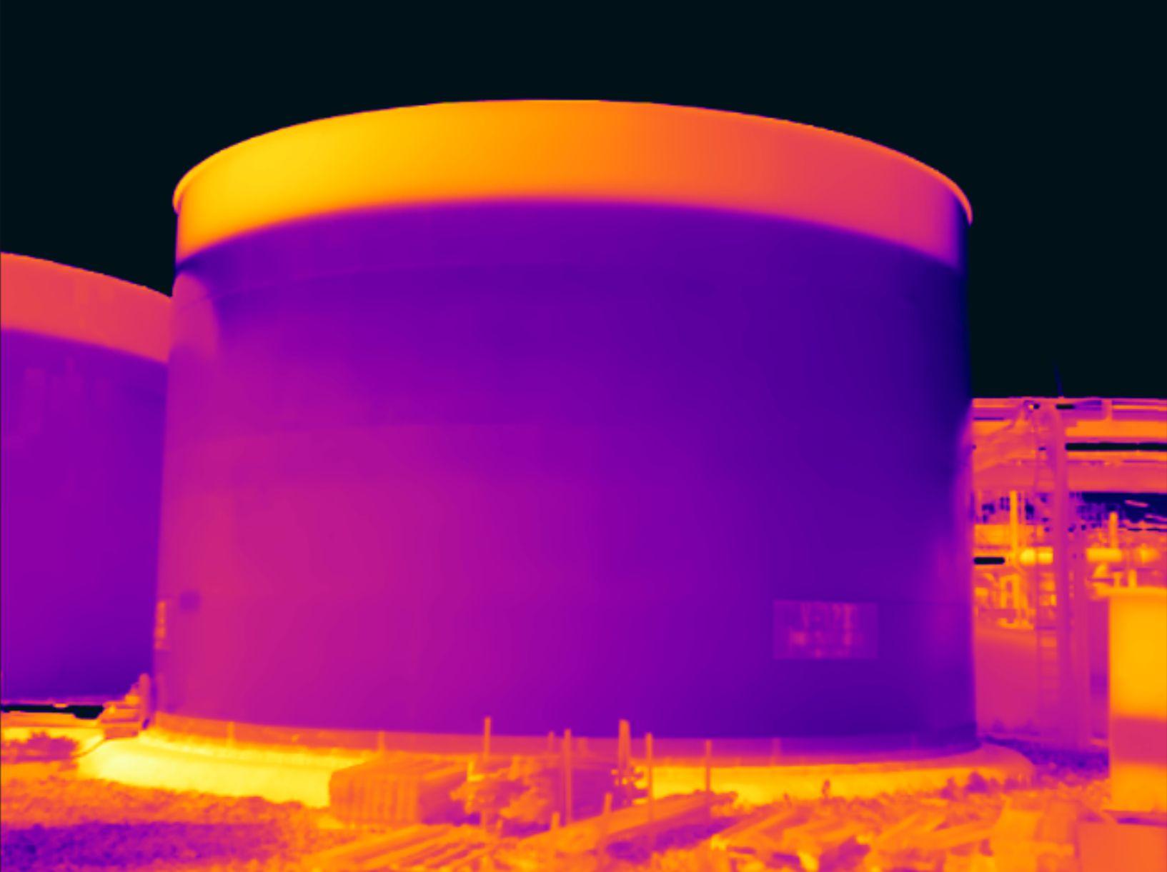 Diensten: Tankniveaumeting in de industrie met thermografie